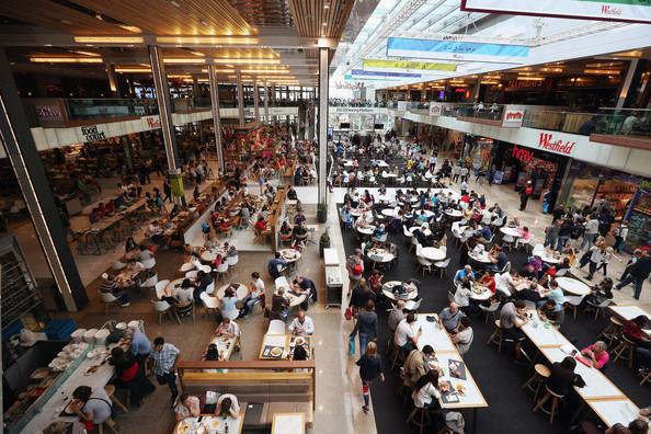 Shoppers+Visit+Westfield+Shopping+Centre+Stratford+sa4CHYdkV-6l